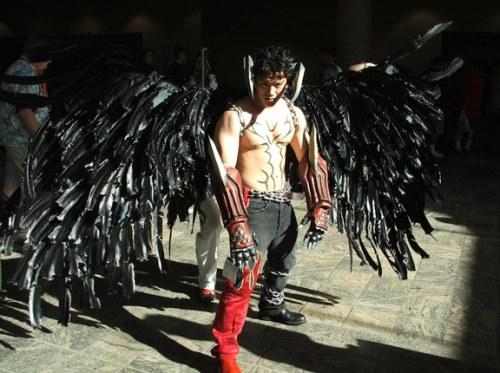 É o Devil de Tekken com asas negras e tudo!